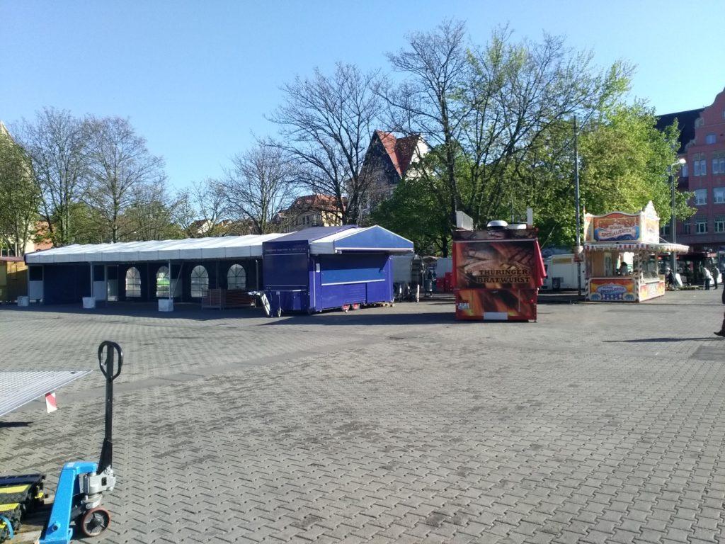 Bierzelt Buden Speisen Getränke Erfurter Domplatz Walpurgisnacht Maifeuer Tanz in den Mai Erfurt