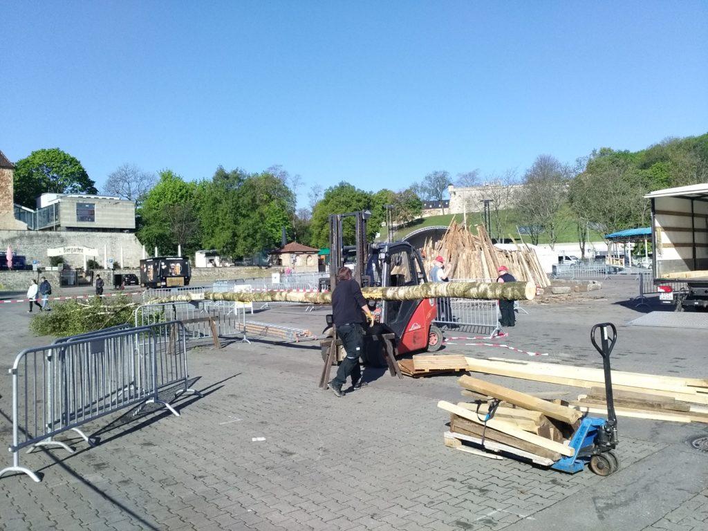 Maibaum Domplatz Erfurt 30.04.2019 Frest Tanz in den Mai Maifest Mai-Party