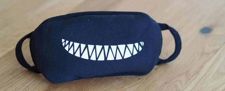 Smiley-Mundschutz kaufen!   Witzige Atemschutz-Maske mit Smiley Online bestellen! Atemschutzmasken mit Smiley kaufen.