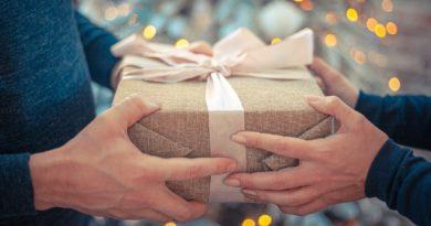 Geschenkideen für Männer zu finden, das ist schlimmer als jeder Bikini-Kauf für Frauen!