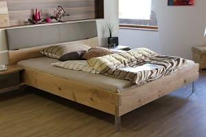 Holzbett, Bett